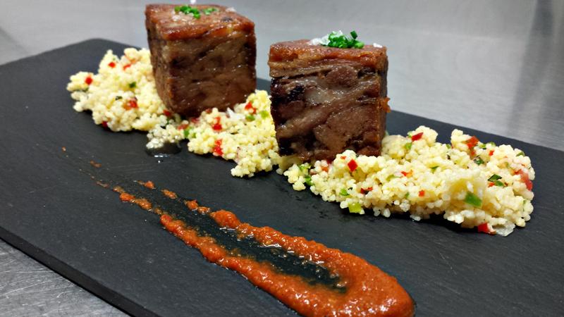 Taboulé de cordero con curry rojo